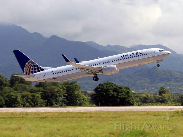 Boeing 737-900 (N38424)
