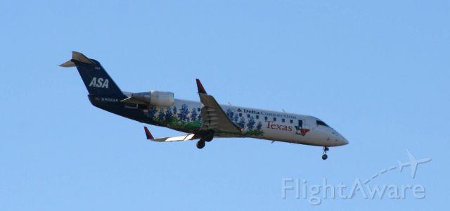 Canadair Regional Jet CRJ-200 (N868AS)