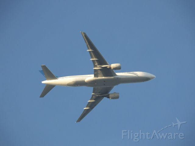 Boeing 777-200 (ZK-OKB) - Flight NZ138 from Brisbane, near One Tree Hill, before turn for final approach to Auckland Airport