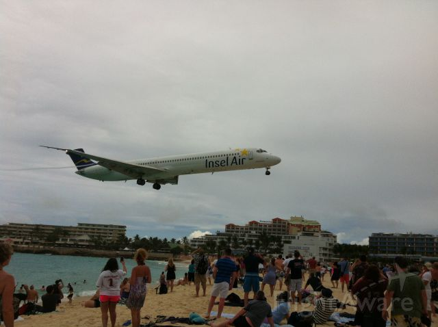 McDonnell Douglas MD-80 — - Another great day at Maho Beach.