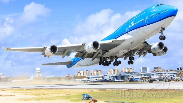 Boeing 747-400 (PH-BFT) - KLM Royal Dutch Airlines City of Tokyo with the Queen of the skys Boeing 747-400 registration PH-BFT in her new colors seen departing TNCM St Maarten for TNCC Hato Curaçao International Airport after the passing of hurricane IRMA.
