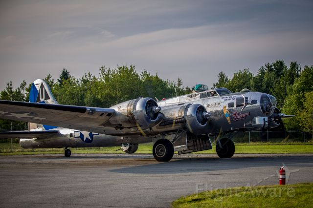 Boeing B-17 Flying Fortress (N9323Z)