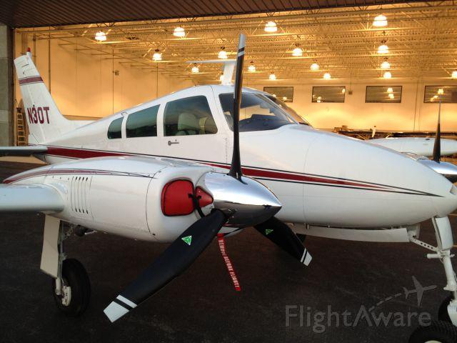 Cessna 310 (N30T)