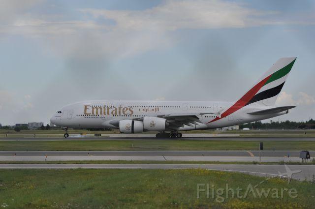 Airbus A380-800 (A6-EDC)