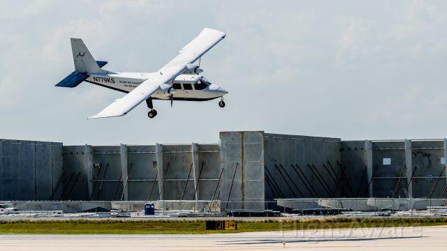 ROMAERO Islander (N779KS) - Sharp bank on final<br />N779KS <br />BN2P CN:779  <br />2017-05-04 KFLL RWY 10R