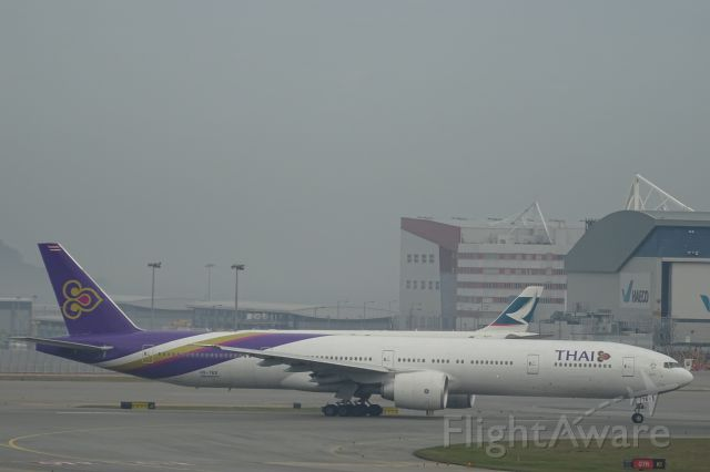 BOEING 777-300 (HS-TKX)