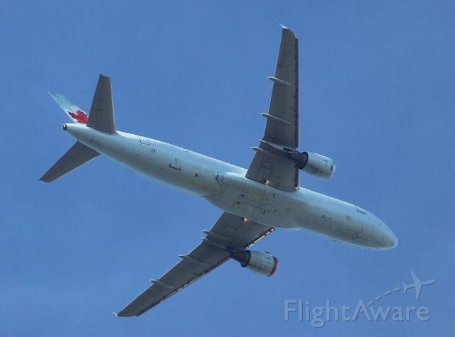 Airbus A320 (C-FFWN) - Taken overhead, from my backyard in Leaside, Toronto