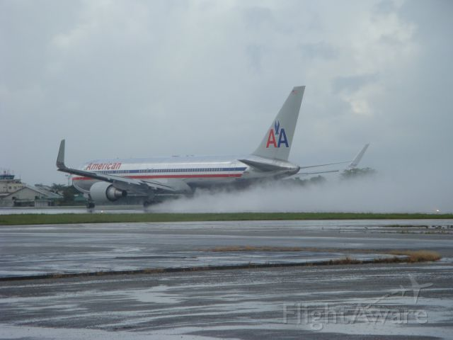 BOEING 767-300 (N359AA) - American Airlines departure on a rainy afternoon