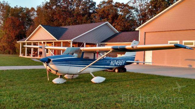Cessna Skyhawk (N2496Y) - Resting