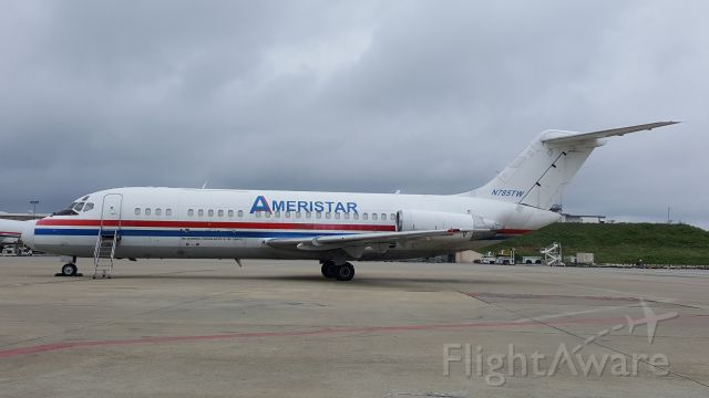 Douglas DC-9-10 (N785TW) - Rare site in ATL.