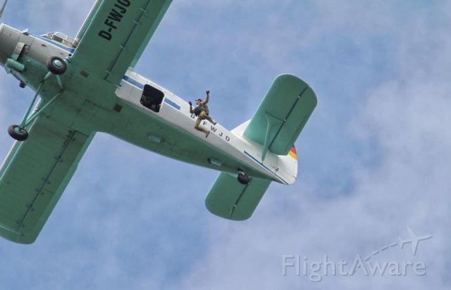Antonov An-2 (D-FWJO) - manual round canopy