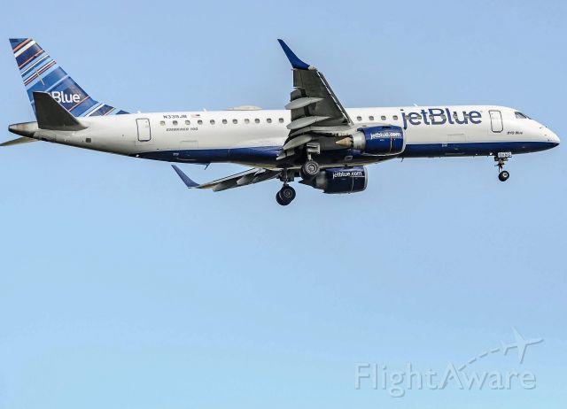 Embraer ERJ-190 (N339JB) - JetBlue 1237 landing 22R at DTW. 5/5/19