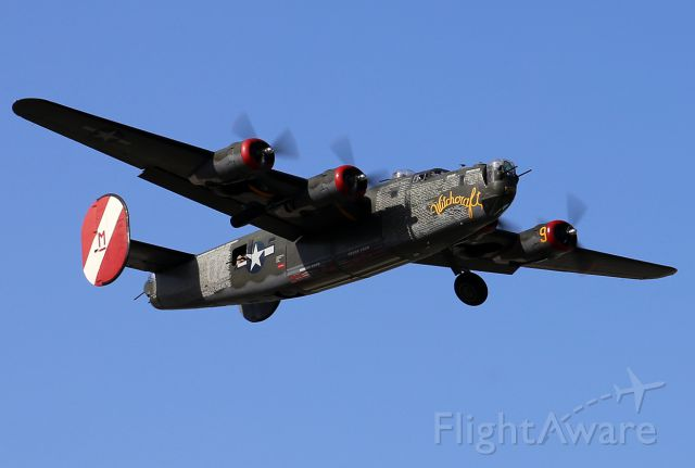Consolidated B-24 Liberator (NX224J) - Taking off.
