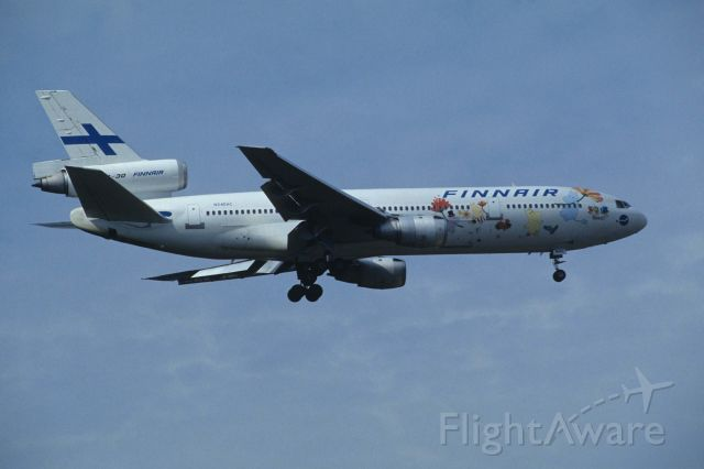 "McDonnell Douglas DC-10 (N345HC) - Final Approach to Narita Intl Airport Rwy34L on 1995/09/22 "" Mumin c/s """