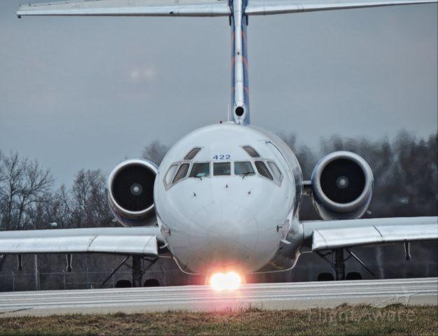 McDonnell Douglas MD-80 (N422NV)
