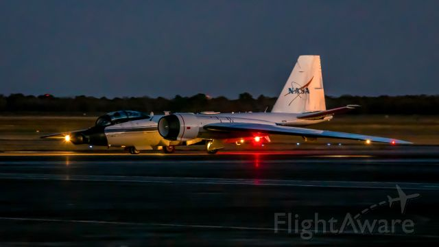 MARTIN WB-57 (N927NA) - NASA927 taxis back after a mission