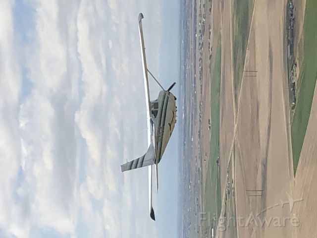 N1857R — - Lead in Cessna/Cirrus flight of 2.