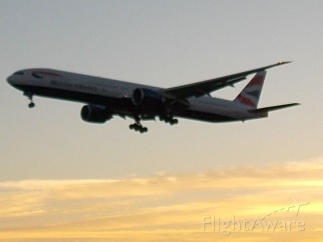 Boeing 777-200 (G-YMMD) - 4:47AM - London is still asleep as the G-YMMD from Buenos Aires arrives