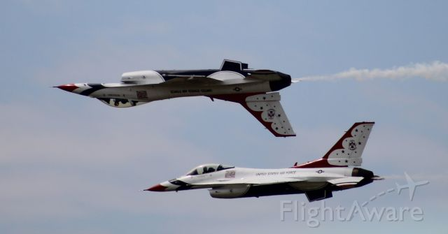 Lockheed F-16 Fighting Falcon — - Dayton Airshow 2019 - Thunderbirds Solos'