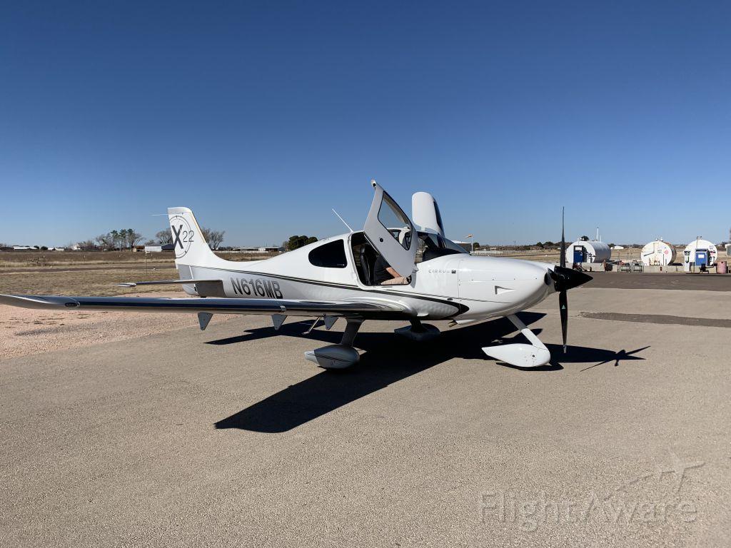 Cirrus SR-22 (N616MB)