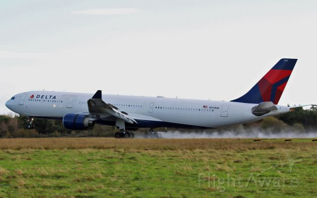 Airbus A330-300 (N811NW) - delta a330 n811nw landing at shannon 15/11/14.