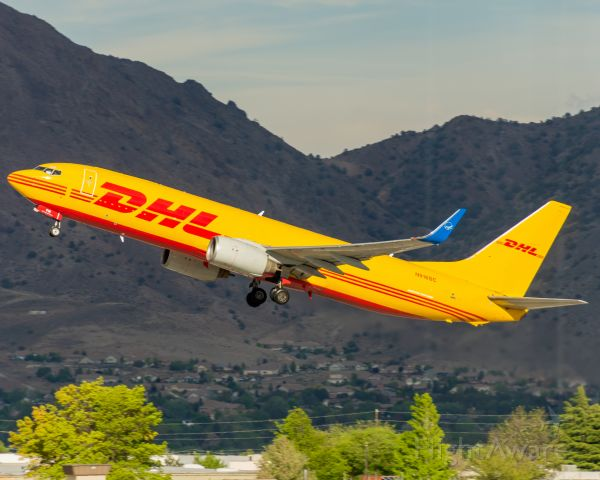 Boeing 737-800 (N916SC) - DHL 738 departing for Phoenix. Excuse the vertical lines caused by shooting through the terminal windows. (14 May, 2021)
