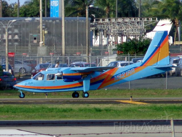 ROMAERO Islander (N821RR)
