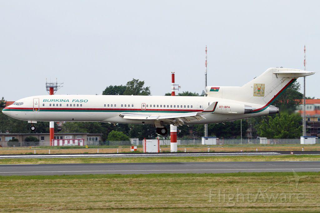 Boeing 727-100 (XT-BFA) - President of Republic Burkina Faso, Blaise Compaoré<br />landed in Berlin, at RWY 26R
