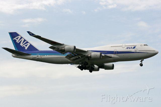 Boeing 747-400 (JA8097)