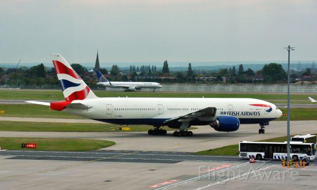 Boeing 777-200 (G-YMMJ) - British Airways Boeing 777-236(ER) G-YMMJ in London Heathrow