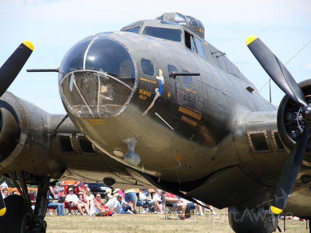 Boeing B-17 Flying Fortress (N3703G)