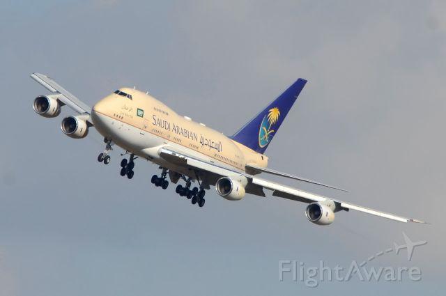 BOEING 747SP (HZHM1B) - Saudi Arab Government<br />Landing 25