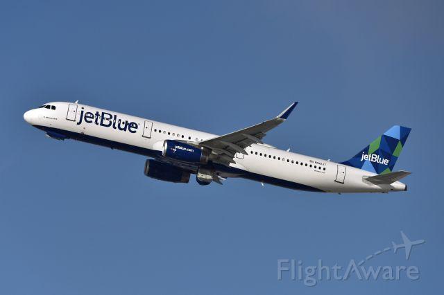 Airbus A321 (N961JT)