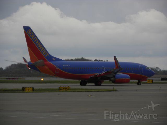 Boeing 737-700 (N225WN)