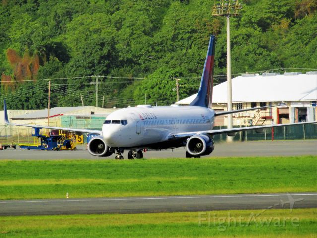 Boeing 737-800 (N3767)