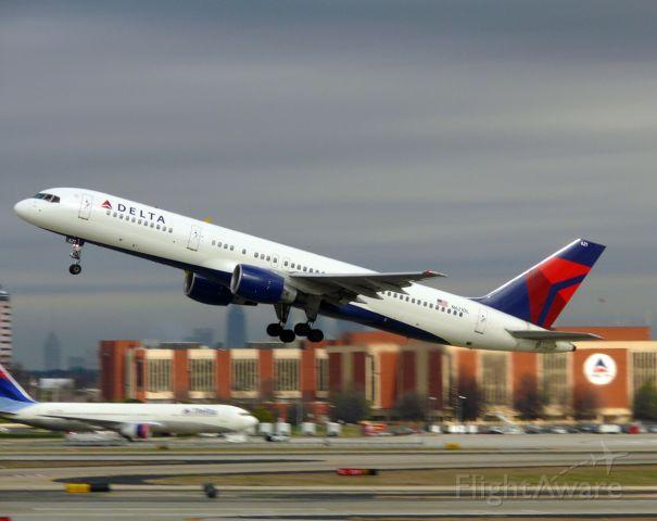 Boeing 757-200 (N621DL)