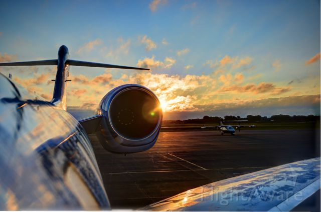 Cessna Citation X (FIV704) - Early Morning in Chicago