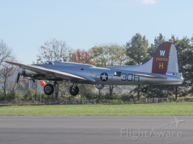 Boeing B-17 Flying Fortress (N5017N)