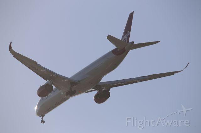 Airbus A350-1000 (G-VLUX)