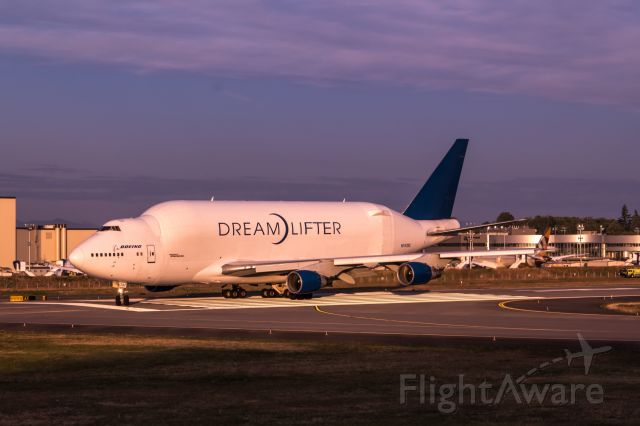 Boeing 747-200 (N747BC) - Boeing 747-400LCF lands at Paine Field
