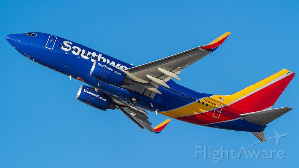 Boeing 737-700 (N7829B) - 6/23/19