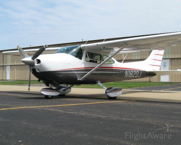 Cessna Skylane (N182DJ) - On the ramp at Akron Fulton Int'l