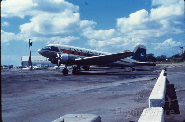 Douglas DC-3 (N15565)