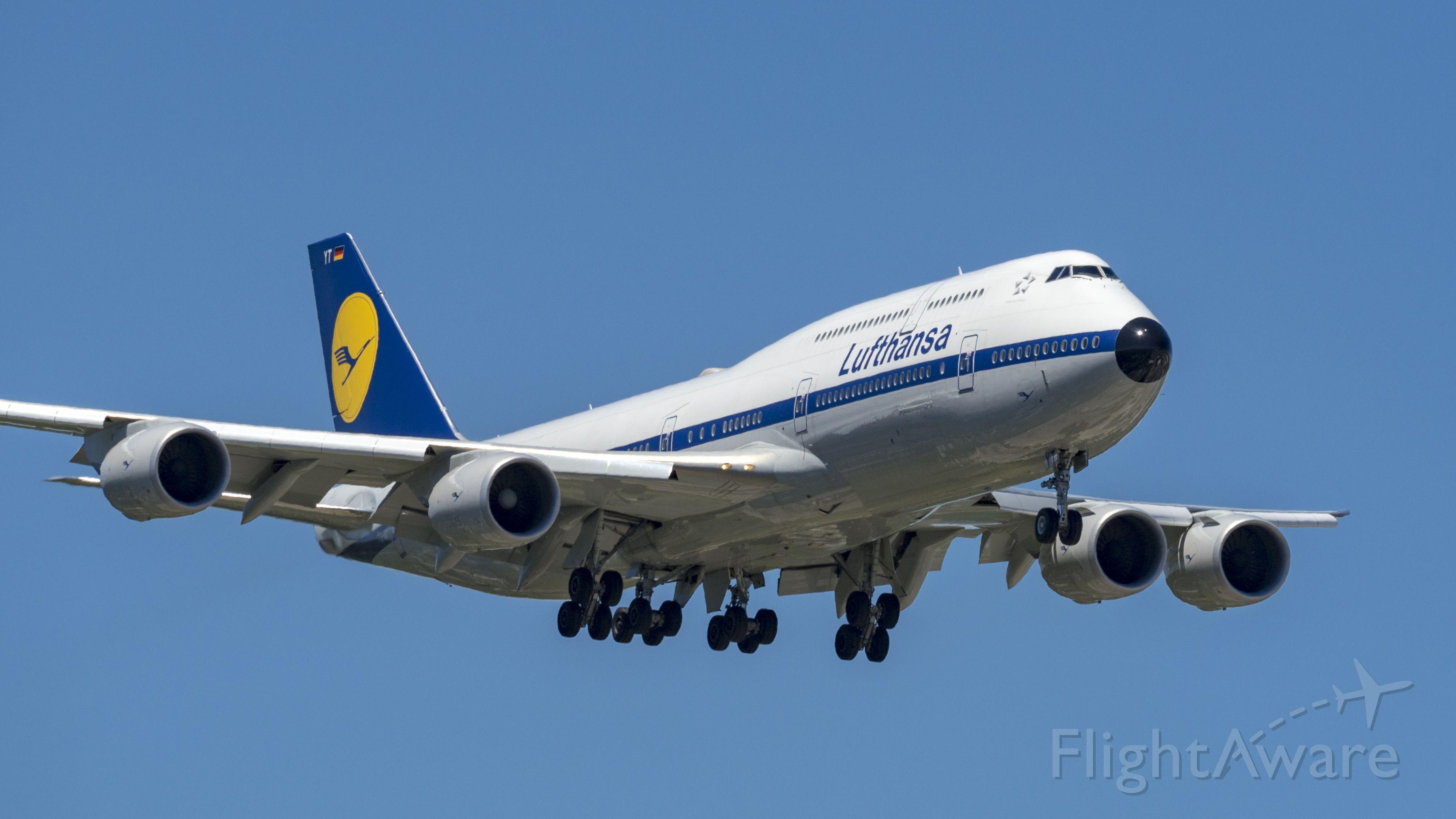 BOEING 747-8 (D-ABYT) - On final for 10L arriving from Frankfurt.<br />6/6/17