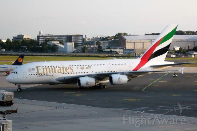 Airbus A380-800 (A6-EUU)