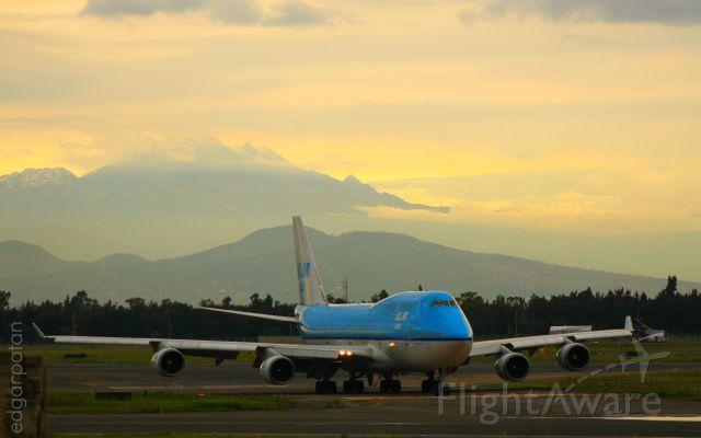Boeing 747-400 (PH-BFM) - KLM Mexico City