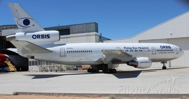 McDonnell Douglas DC-10 (N220AU)
