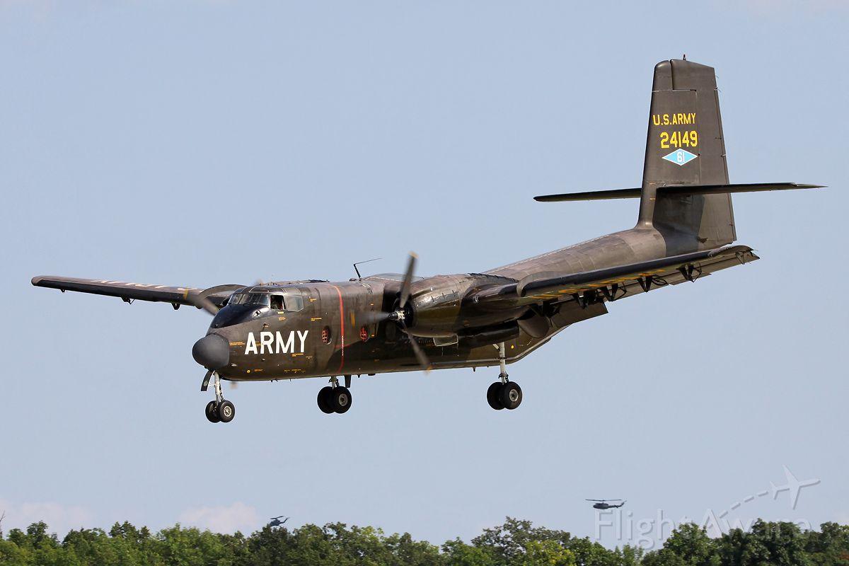 De Havilland Canada DHC-4 Caribou (N149HF) - Approaching for landing