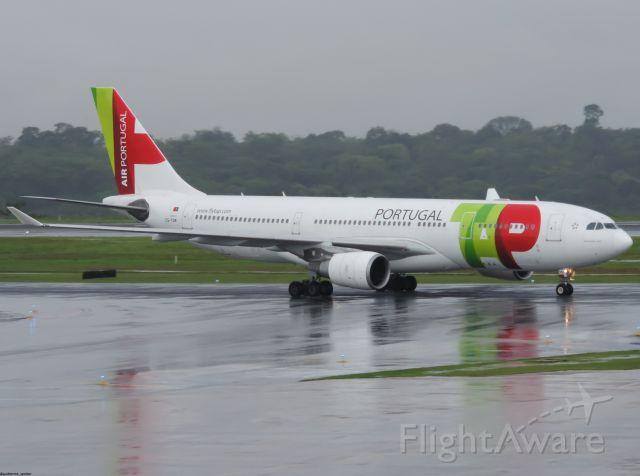 Airbus A330-200 (CS-TOR)