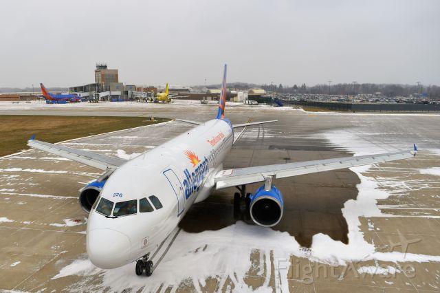 Airbus A320 (N226NV)